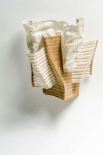 Tissage triple, fil de papier/acier, fil de nylon, fil d'acier inox., fil de papier, soieL 32 X H 32 X P 12