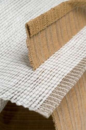 Tissage double, fil de papier/acier, fil de nylon, fil d'acier inox., soie, ruban et fil de papier L 30 X H 23 X P 35 2013