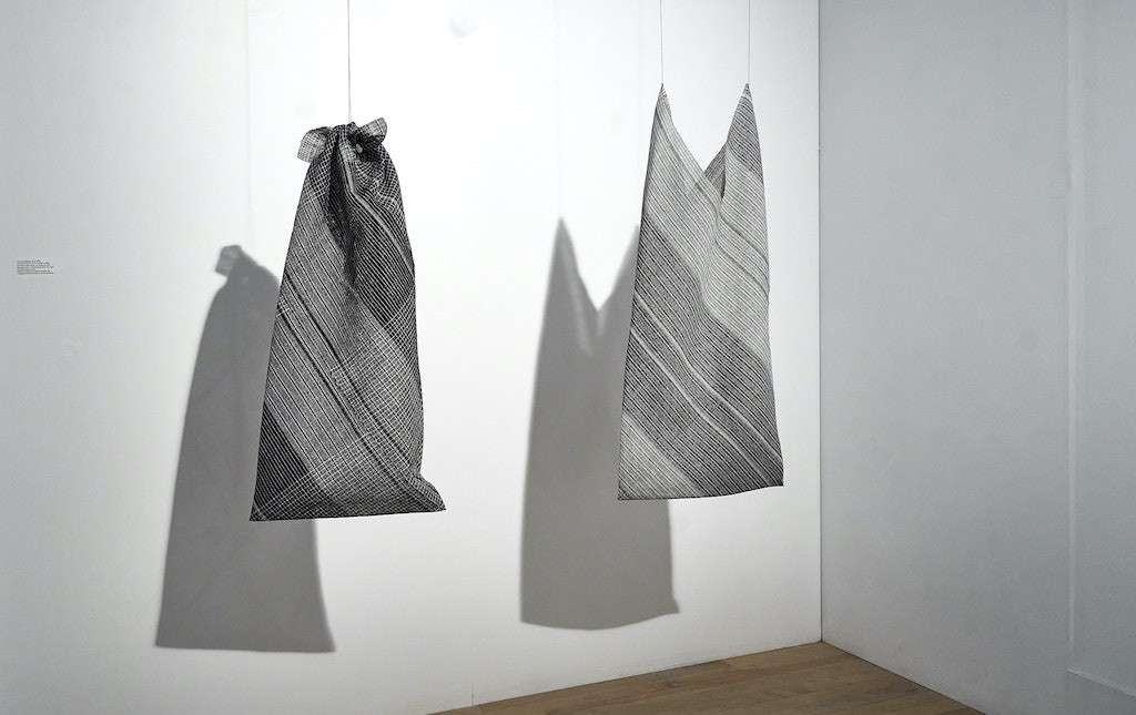 Julie Bénédicte Lambert. Les enveloppes. Duo. Crédit photo : B. Dubois